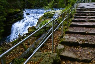 Kilkumetrowy wodospad w Karkonoszach