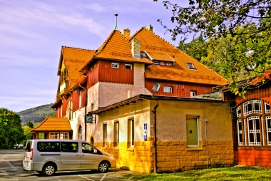 Budynek dworca Szklarskiej Poręby Górnej