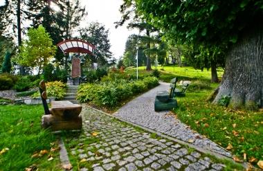 Ścieżki spacerowe za domem Gerharta i Carla Hauptmannów