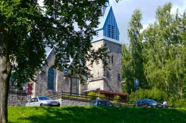 Kościół na wzgórzu przy ulicy Mickiewicza