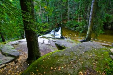 Okolica wodospadu Szklarki